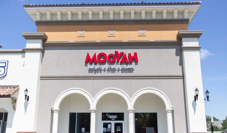 MOOYAH Baton Rouge City Square