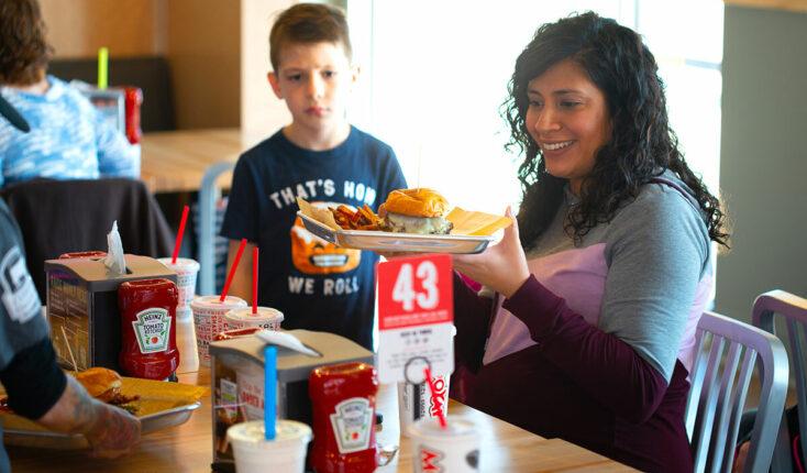 MOOYAH Guest Best Burger