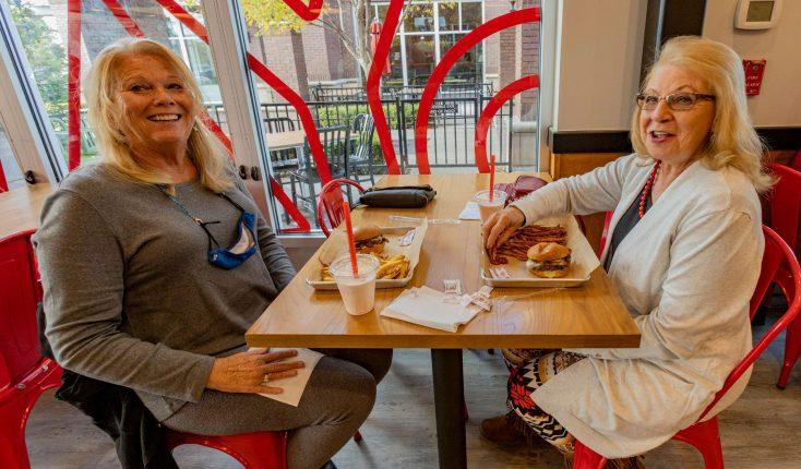 MOOYAH Happy Guests Best Burger Frisco Market Place