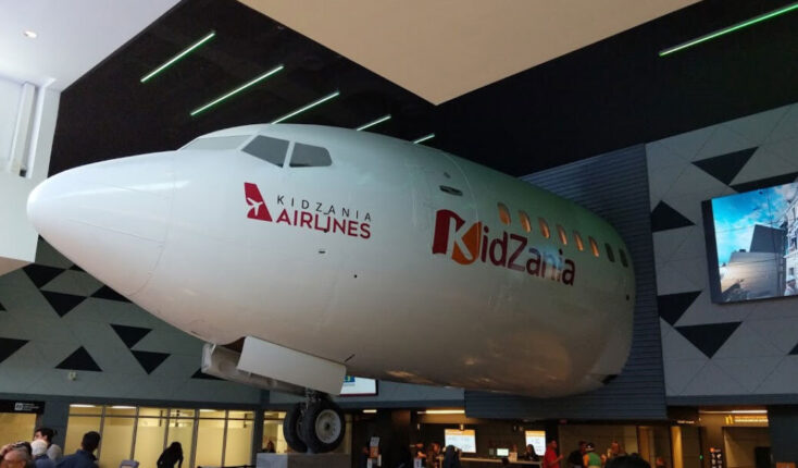 Mooyah Kid Zania Airlines