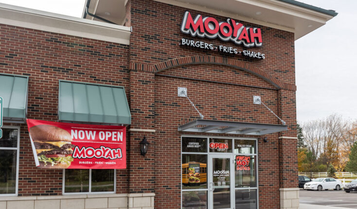 Mooyah Middleburg Heights Cleveland Exterior