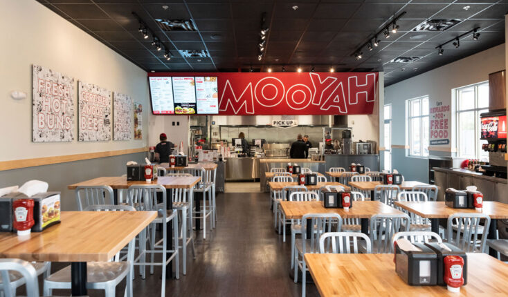 Mooyah Middleburg Heights Dining Room