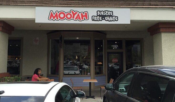 MOOYAH Monrovia CA exterior